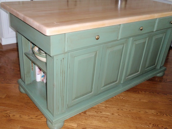 Here is the kitchen island with the top refinished and you can see the floor is clean and shiny too.